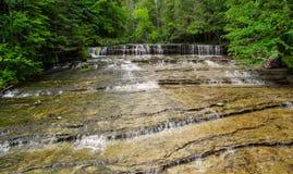 Cascade de région sauvage Photo stock