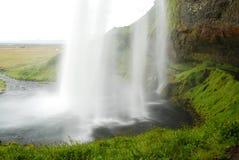 Cascade de Seljalandsfoss dans les sud de l'Islande Photos stock