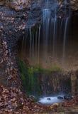 Cascade de Shiraito dans la saison d'automne photo libre de droits