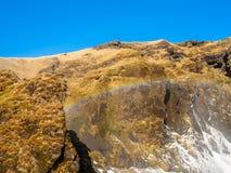 Cascade de Skogafoss dans la saison d'hiver en Islande photographie stock libre de droits