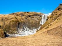Cascade de Skogafoss dans la saison d'hiver en Islande photos libres de droits