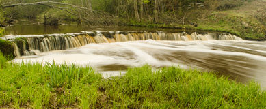 Cascade de Veldzes en Lettonie Photos stock