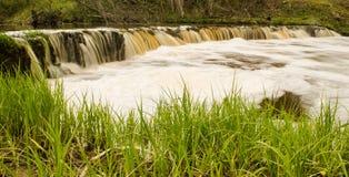 Cascade de Veldzes en Lettonie Photo libre de droits