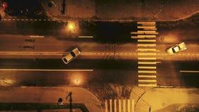 Cascade de voiture chasse Vue de ci-avant clips vidéos