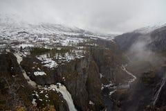 Cascade de Voringfossen en Norvège photographie stock