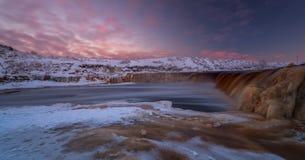 Cascade en hiver Photo libre de droits