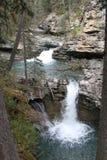 Cascade en montagnes Image libre de droits