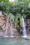 Cascade en parc national, Croatie image stock