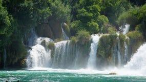 Cascade en parc national de la Croatie dans KRKA Image stock