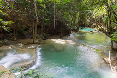 Cascade gentille en Thaïlande Photos stock