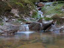 Cascade met zachte stroom Royalty-vrije Stock Afbeeldingen
