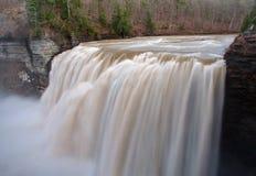 Cascade moyenne de la rivière de Genesee Photographie stock