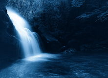 Cascade in the nigh Royalty Free Stock Photography