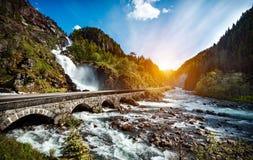 Cascade Norvège de Latefossen Image stock