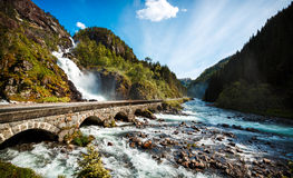 Cascade Norvège de Latefossen Images libres de droits