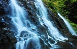 Cascade pure fraîche Images libres de droits