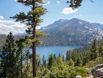 Cascade See im Lake- Tahoebecken Lizenzfreies Stockbild