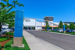 Cascade Station, Shopping center in Portland, Oregon. Portland, Oregon - May 14, 2018 : Cascade Station Outlet, which is a mixed-use development of a shopping stock photos