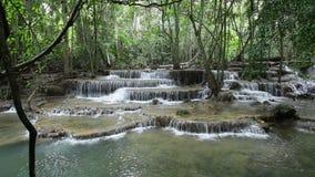 Cascade stupéfiante de Maekamin en Thaïlande Images libres de droits