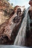 Cascade sur la rivière de Rbia images stock