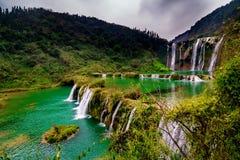 Cascade Yunnan, porcelaine de Jiulong Images libres de droits