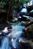 Cascades à écriture ligne par ligne Photographie stock libre de droits