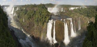Cascades à écriture ligne par ligne d'Iguacu Images libres de droits