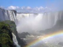 Cascades à écriture ligne par ligne d'Iguazu photographie stock libre de droits