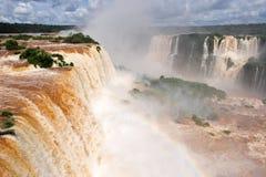 Cascades à écriture ligne par ligne d'Iguazu en Argentine Photo libre de droits