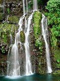 Cascades à écriture ligne par ligne dans la Réunion Image stock