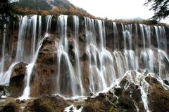 Cascades à écriture ligne par ligne de Jiuzhaigou Photo stock