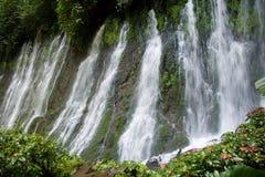 Cascades à écriture ligne par ligne de Juayua Photos libres de droits