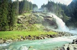 Cascades à écriture ligne par ligne de Krimml Photos libres de droits