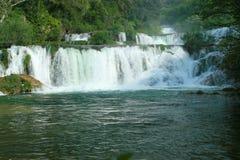 Cascades à écriture ligne par ligne de Krka (Croatie) Image libre de droits