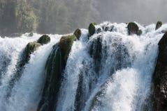 Cascades à écriture ligne par ligne de Marmore Photo stock