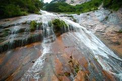 Cascades à écriture ligne par ligne de Neuf-Dragon Photos stock
