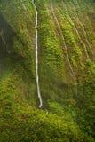 Cascades à écriture ligne par ligne - Kauai Photographie stock libre de droits