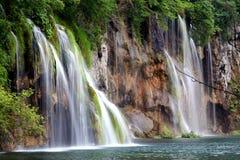 Cascades à écriture ligne par ligne, Plitvice Photos libres de droits