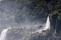 Cascades Argentine Brésil d'Iguassu Photos stock