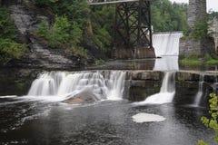 Cascades de cascade à écriture ligne par ligne Photo libre de droits