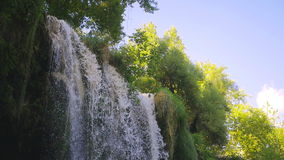 Cascades de Kursunlu à Antalya Turquie banque de vidéos