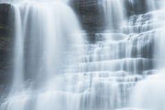 Cascades de l'eau Photographie stock libre de droits