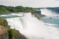 Cascades de Niagara Images libres de droits