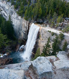 Cascades du Nevada dans Yosemite Photographie stock libre de droits