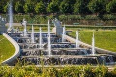 Cascades fontaine, jardin de belvédère à Vienne, Autriche images libres de droits