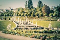 Cascades fontaine, jardin de belvédère à Vienne, Autriche image libre de droits