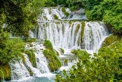 Cascades in het Nationale Park Kroatië van Krka Stock Afbeelding