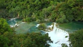 Cascades, Krka NP, Dalmatie, Croatie, l'Europe banque de vidéos