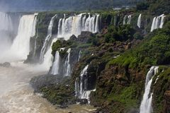 Cascades multiples en Argentine/Iguazu photos stock