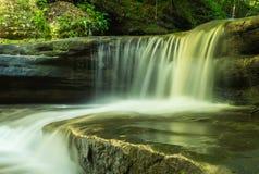 Cascadez dans la baignoire de Giants Photographie stock libre de droits